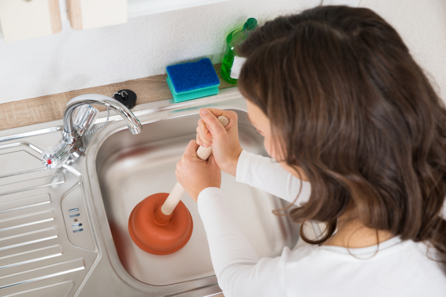 3 Ways to Clear out a Clogged Drain with Hair 1
